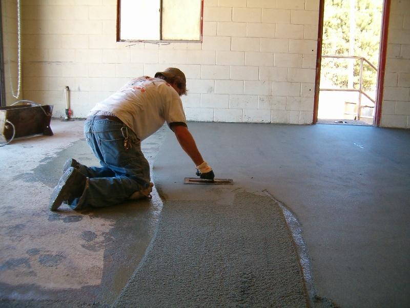 Стяжка бетонного пола под ламинат своими руками 100